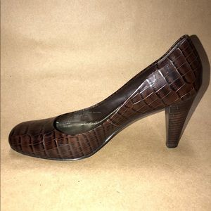 6f9c85dab684 Franco Sarto Shoes - Franco Sarto Size 7.5 M Brown Pumps Animal Print